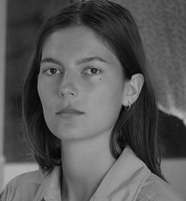 Portrait artiste Loucia Carlier Bourse Emerige 2020